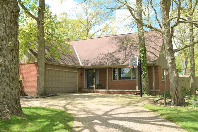 1380 Clubview Boulevard N, Columbus, OH 43235 (MLS #221013424) :: The Raines Group