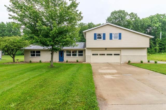 401 Cherokee Trail, Granville, OH 43023 (MLS #221018490) :: MORE Ohio