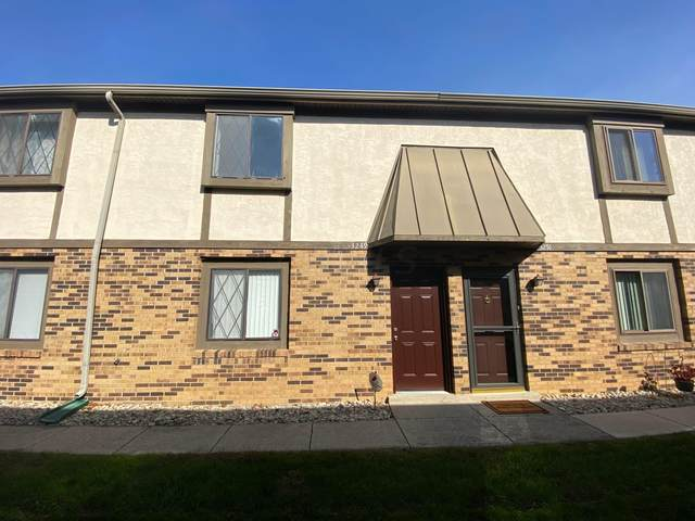3249 Summertime Court #23, Columbus, OH 43221 (MLS #221019884) :: The Tobias Real Estate Group
