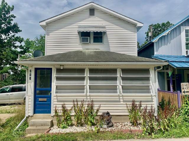 243 Ninth Street, Lancaster, OH 43130 (MLS #221024608) :: The Raines Group