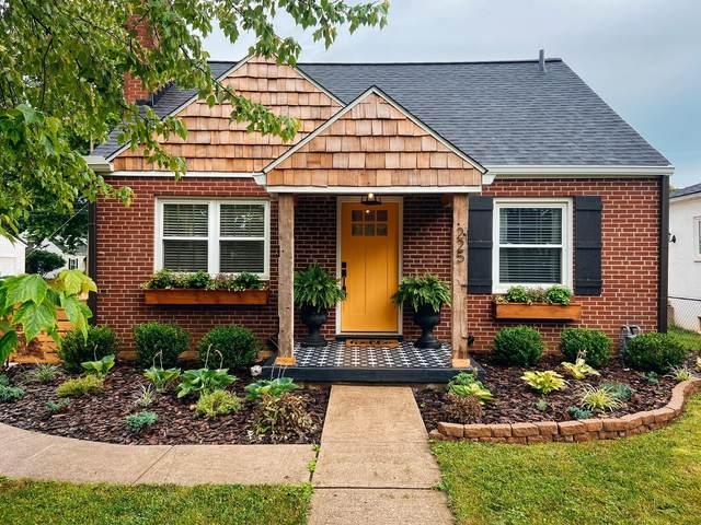 225 E Weisheimer Road, Columbus, OH 43214 (MLS #221026832) :: Signature Real Estate