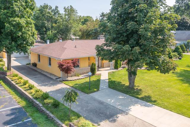 106 Charleston Avenue, Columbus, OH 43214 (MLS #221026989) :: Berkshire Hathaway HomeServices Crager Tobin Real Estate