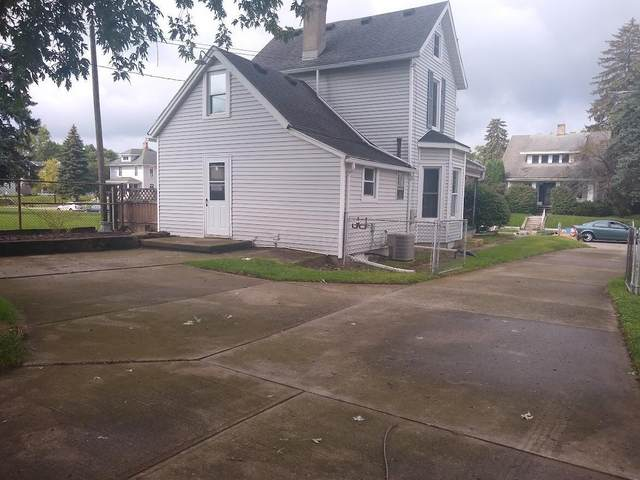 262 S Clairmont Avenue, Springfield, OH 45505 (MLS #221035062) :: Sandy with Perfect Home Ohio