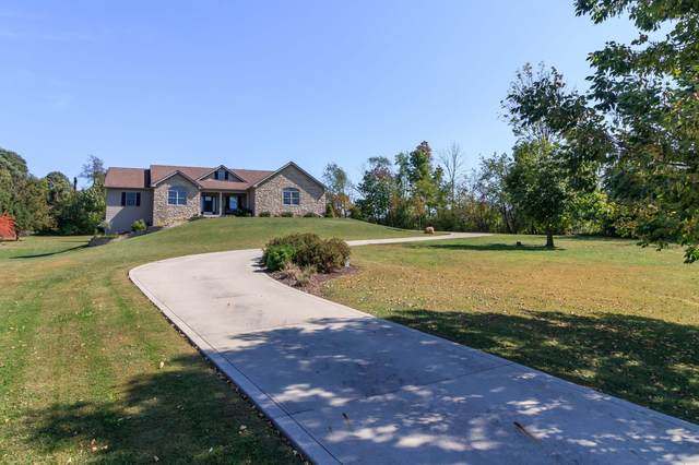 10 Thornberry Drive, Thornville, OH 43076 (MLS #221038131) :: Sandy with Perfect Home Ohio