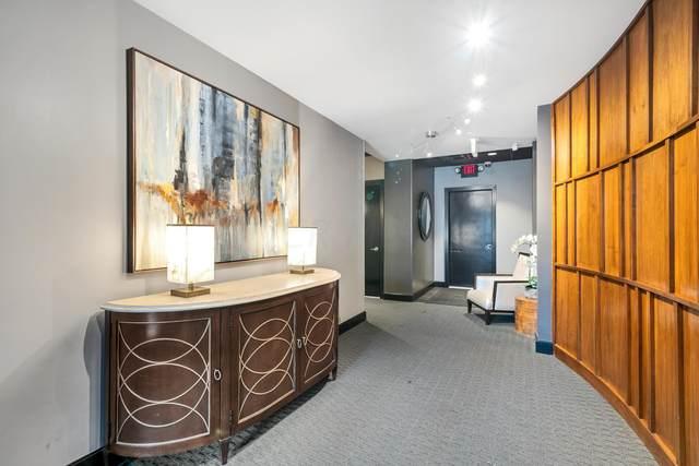 34 W Poplar Avenue #402, Columbus, OH 43215 (MLS #219038191) :: Susanne Casey & Associates