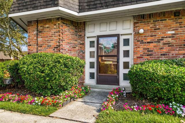 1471 Lafayette Drive, Columbus, OH 43220 (MLS #221034785) :: Berkshire Hathaway HomeServices Crager Tobin Real Estate