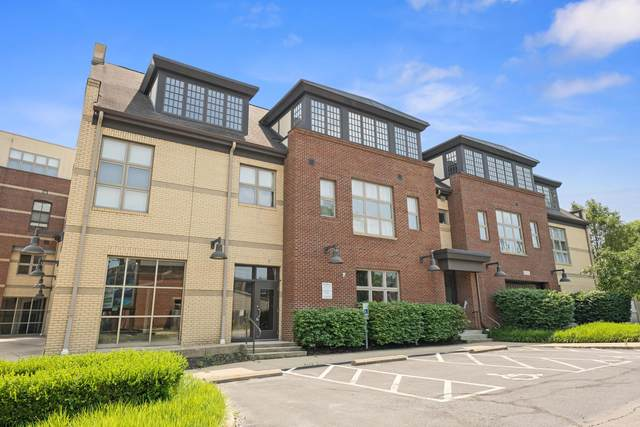 825 N 4th Street #304, Columbus, OH 43215 (MLS #221038000) :: Berkshire Hathaway HomeServices Crager Tobin Real Estate