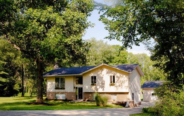 51 Horseshoe Court, Granville, OH 43023 (MLS #218030058) :: Susanne Casey & Associates