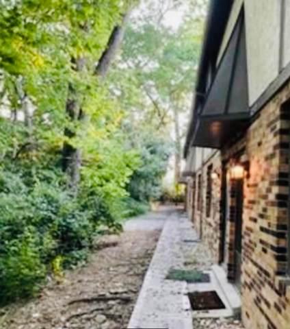 3241 Summerdale Lane #47, Columbus, OH 43221 (MLS #221028878) :: Susanne Casey & Associates