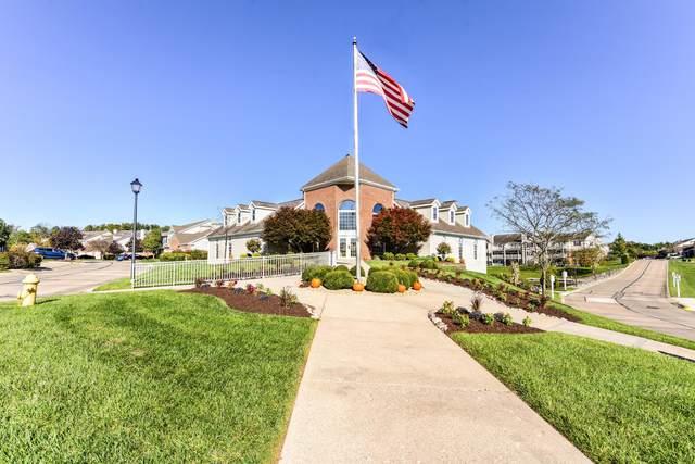 5180 Shore View #124, Cincinnati, OH 45248 (MLS #221038083) :: Berkshire Hathaway HomeServices Crager Tobin Real Estate