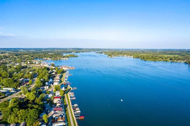 4521 Northbank Road, Buckeye Lake, OH 43008 (MLS #221033204) :: 3 Degrees Realty