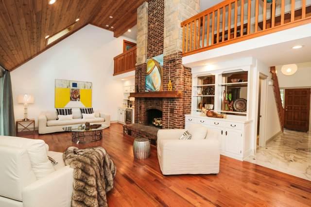 120 Whieldon Lane, Worthington, OH 43085 (MLS #221019010) :: Jamie Maze Real Estate Group