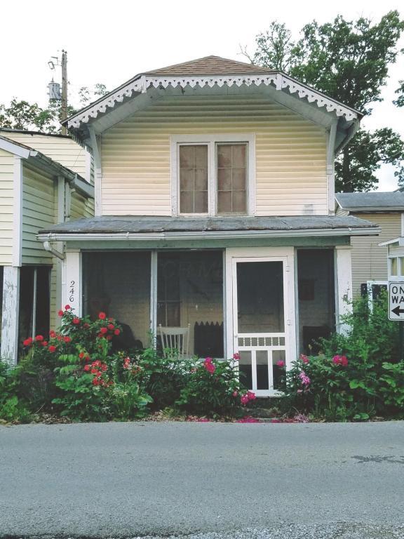 246 Ninth Street, Lancaster, OH 43130 (MLS #217017222) :: Berkshire Hathaway Home Services Crager Tobin Real Estate