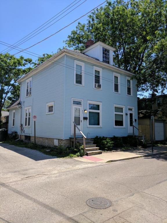 934 Ebner Street, Columbus, OH 43206 (MLS #217021979) :: Casey & Associates Real Estate