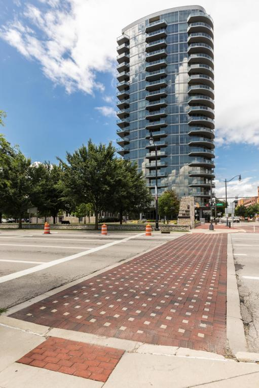 300 W Spring Street #803, Columbus, OH 43215 (MLS #217022056) :: The Mike Laemmle Team Realty