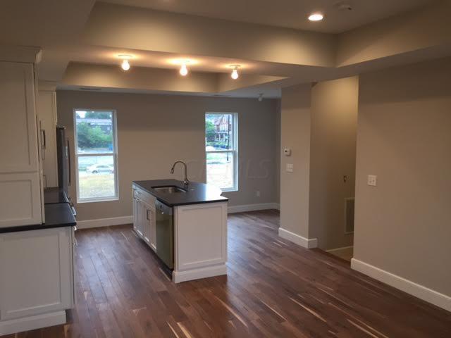 130 E Greenwood Avenue, Columbus, OH 43201 (MLS #217022369) :: CARLETON REALTY