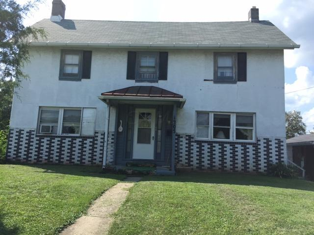 1205 S Court Street, Circleville, OH 43113 (MLS #217030170) :: The Mike Laemmle Team Realty