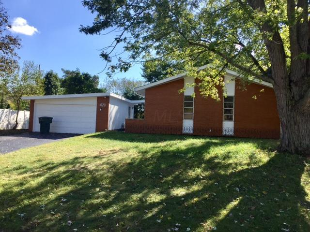 1023 Kenchester Drive, Columbus, OH 43220 (MLS #217037895) :: CARLETON REALTY