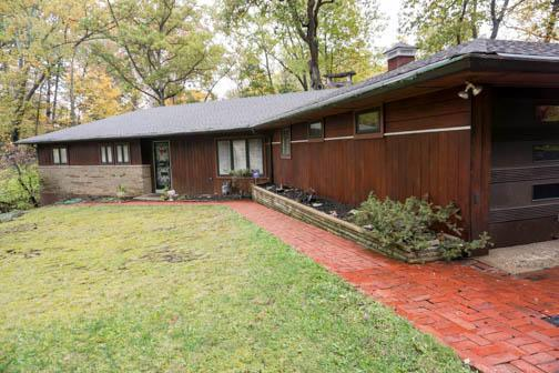 350 E Cooke Road, Columbus, OH 43214 (MLS #217039902) :: Berkshire Hathaway Home Services Crager Tobin Real Estate