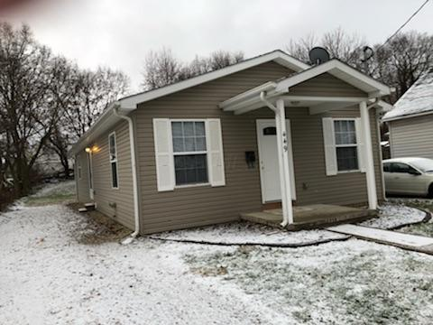 449 Watt Street, Circleville, OH 43113 (MLS #217043231) :: The Mike Laemmle Team Realty
