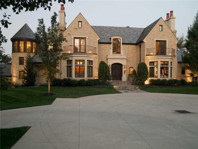 3020 Scioto Estates Court, Columbus, OH 43221 (MLS #218003563) :: Shannon Grimm & Associates