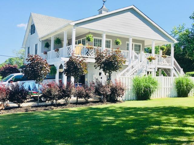 580 Lakeshore Drive W, Hebron, OH 43025 (MLS #218005287) :: Berkshire Hathaway HomeServices Crager Tobin Real Estate