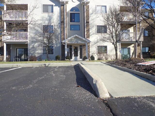 2306 Pinzon Place #102, Columbus, OH 43235 (MLS #218005800) :: Berkshire Hathaway Home Services Crager Tobin Real Estate