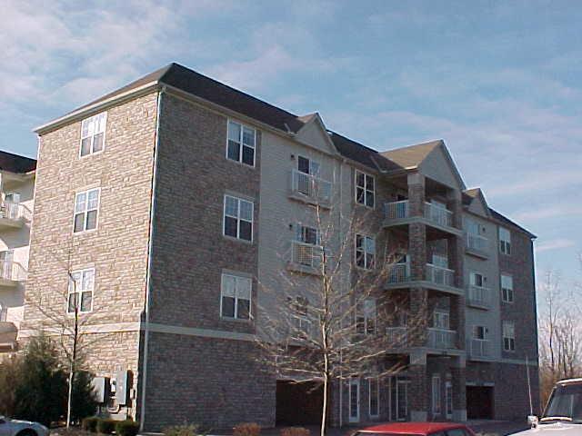 2245 Riverside Drive #406, Columbus, OH 43221 (MLS #218007733) :: Susanne Casey & Associates
