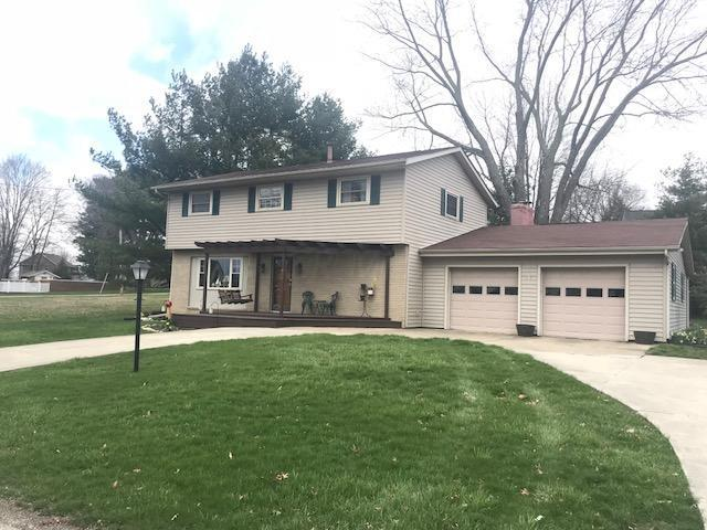450 Lakeshore Drive W, Hebron, OH 43025 (MLS #218010358) :: Berkshire Hathaway HomeServices Crager Tobin Real Estate