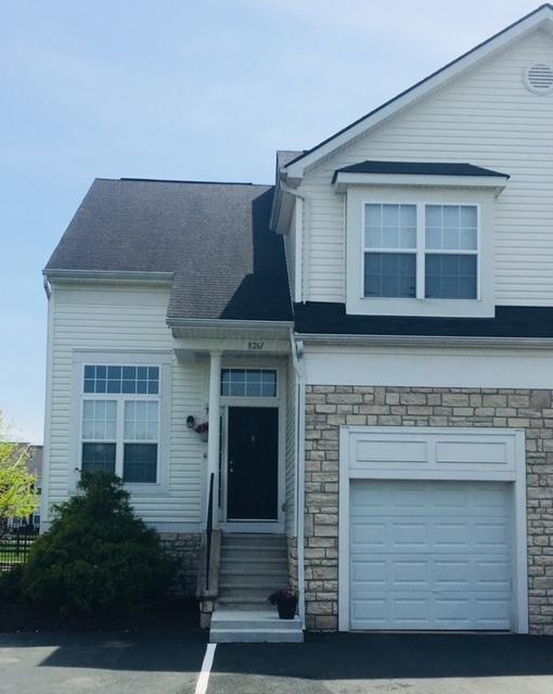 8261 Deering Oaks Drive, Blacklick, OH 43004 (MLS #218017494) :: Berkshire Hathaway HomeServices Crager Tobin Real Estate