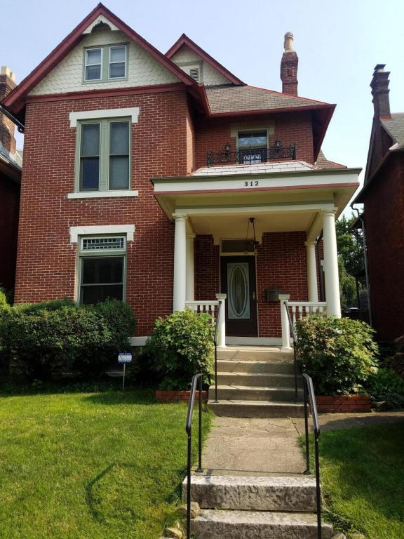 312 W Hubbard Avenue, Columbus, OH 43215 (MLS #218023093) :: Berkshire Hathaway HomeServices Crager Tobin Real Estate