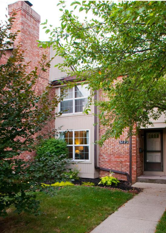 5173 Rittenhouse Square N 23-73, Columbus, OH 43220 (MLS #218026459) :: The Raines Group