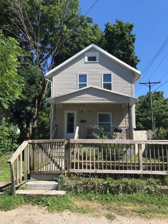 2720 Fremont Street, Columbus, OH 43204 (MLS #218027703) :: Berkshire Hathaway HomeServices Crager Tobin Real Estate
