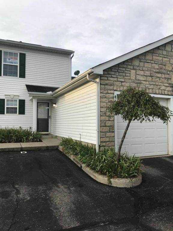 4636 Shalers Drive 45D, Columbus, OH 43228 (MLS #218029852) :: Signature Real Estate