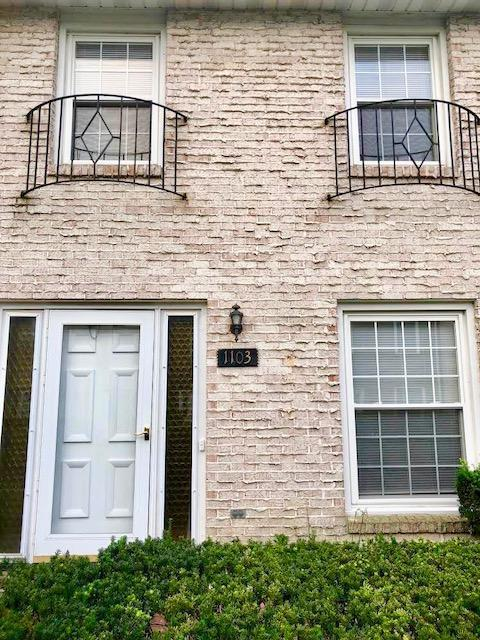 1103 Hardesty Place E O-8, Columbus, OH 43204 (MLS #218031976) :: Berkshire Hathaway HomeServices Crager Tobin Real Estate