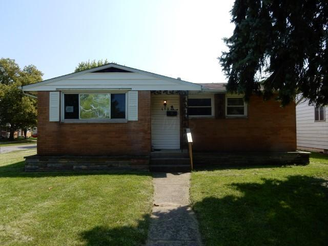 690 Holly Hill Drive, Columbus, OH 43228 (MLS #218032851) :: RE/MAX ONE
