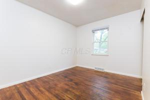 387 Clarendon Avenue, Columbus, OH 43223 (MLS #218040356) :: Exp Realty