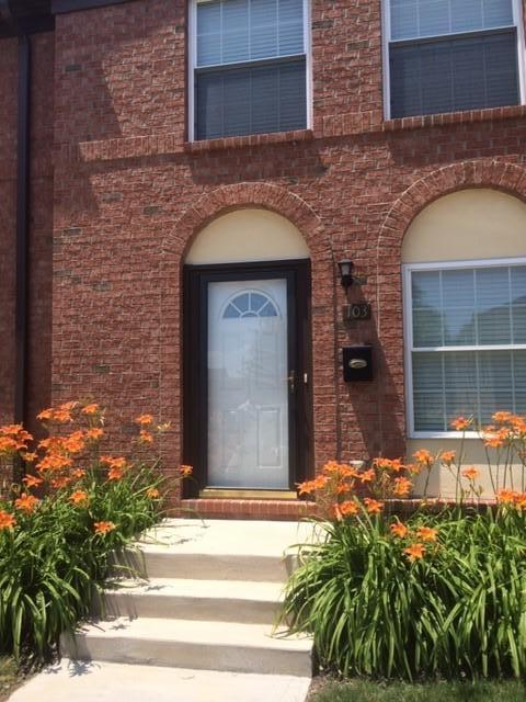 103 Tarryton Court W 19-E, Columbus, OH 43228 (MLS #218042271) :: Brenner Property Group | KW Capital Partners