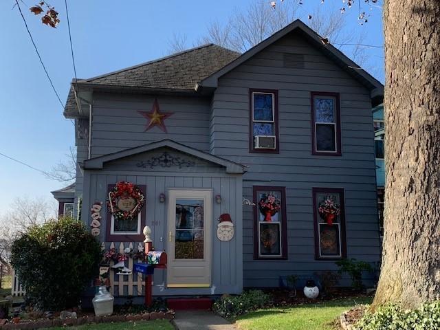 261 N Buena Vista Street, Newark, OH 43055 (MLS #218044661) :: The Clark Group @ ERA Real Solutions Realty