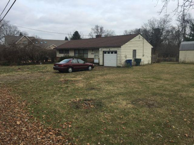 4936 Postlewaite Road, Columbus, OH 43235 (MLS #218044673) :: The Clark Group @ ERA Real Solutions Realty