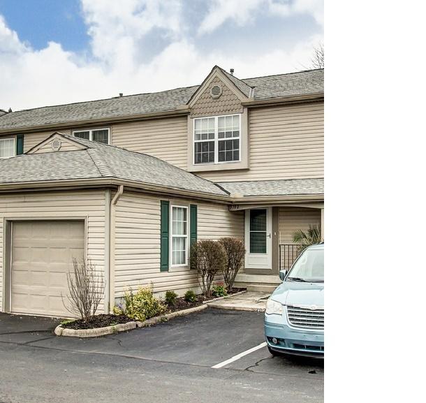 5702 Valencia Park Boulevard 35D, Hilliard, OH 43026 (MLS #219010898) :: Signature Real Estate