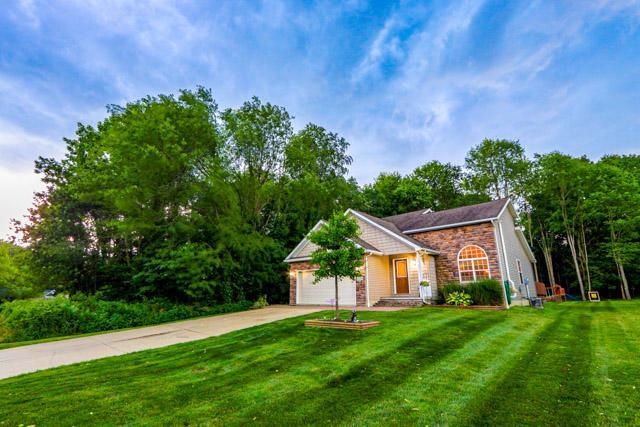 639 Crestrose Drive, Howard, OH 43028 (MLS #219024333) :: Berkshire Hathaway HomeServices Crager Tobin Real Estate