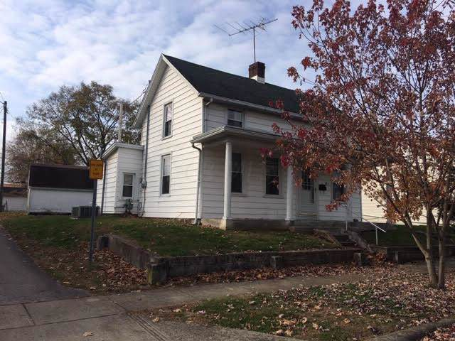 323 E High Street, Circleville, OH 43113 (MLS #219042406) :: The Clark Group @ ERA Real Solutions Realty