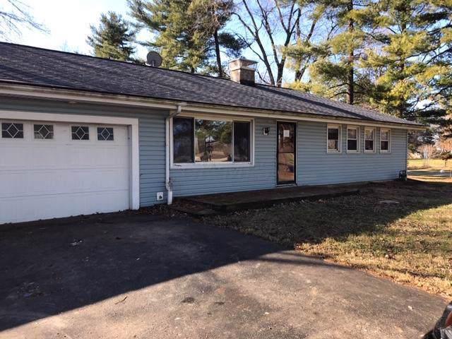 3065 Winchester Pike, Columbus, OH 43232 (MLS #220001536) :: Susanne Casey & Associates