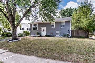 4657 Arnold Avenue, Columbus, OH 43228 (MLS #220001923) :: CARLETON REALTY