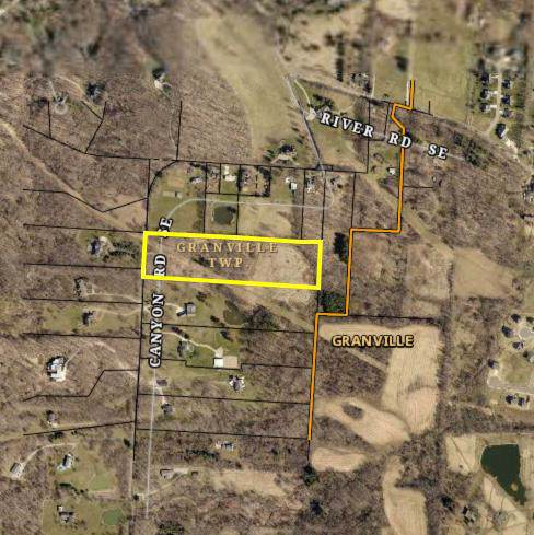 3007 Canyon Road, Granville, OH 43023 (MLS #220002080) :: The Raines Group