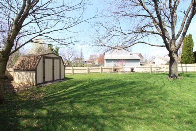 7512 Deer Crossing Court, Worthington, OH 43085 (MLS #220010729) :: Signature Real Estate