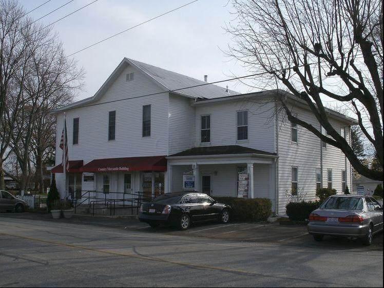 1550 Lewis Center Road - Photo 1