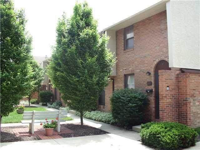 1838 Willoway Circle S Bldg, Columbus, OH 43220 (MLS #221006612) :: RE/MAX ONE