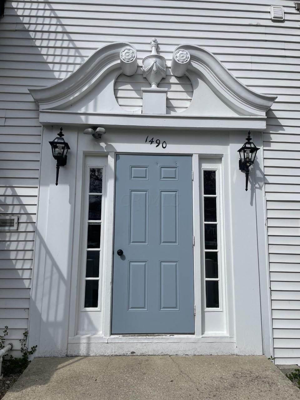 1490 Slade Avenue - Photo 1